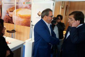 El Presidente de la DOP, Ángel Pacheco, junto al Presidente de la Junta de Extremadura Guillermo Fernández Vara, el dia inaugural.